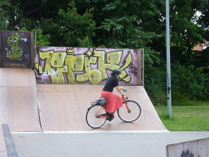 ha. me trying to ride on a half pipe a few weeks ago....ddin't Work out so well....ha!