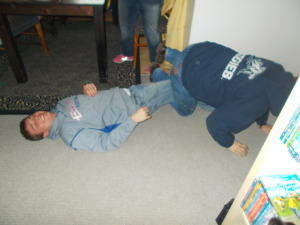 the elders leg wrestling hahahahahahaha goooooood stuff!